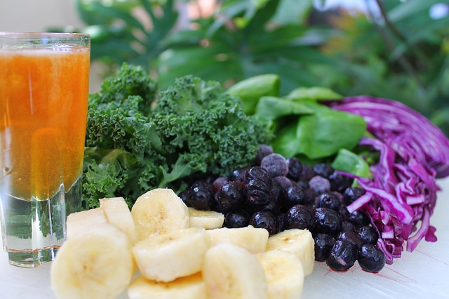 Health Benefits of Juicing (and 3 Detox Juicing Recipes)